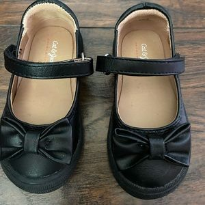 Cat and Jack. Black toddler shoes. Size 5